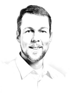 Porträtzeichnung eines lächelnden Mannes