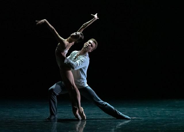 09 Giselle Maria Kochetkova Jon Vallejo c Ian Whalen IWP7766