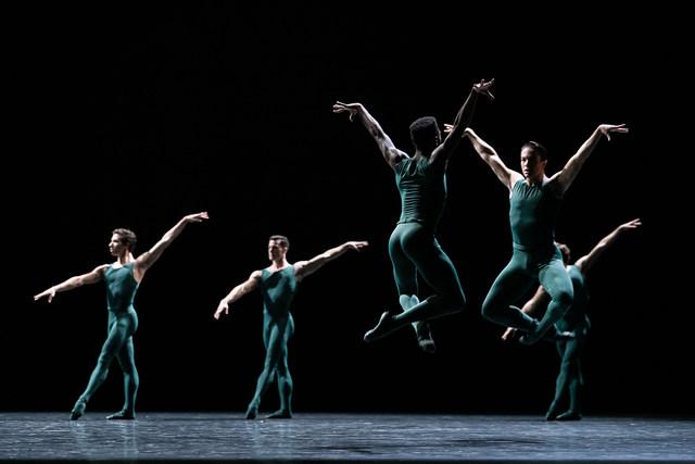 »Artifact Suite«/»We will dance« © Semperoper Ballett/Ian Whalen