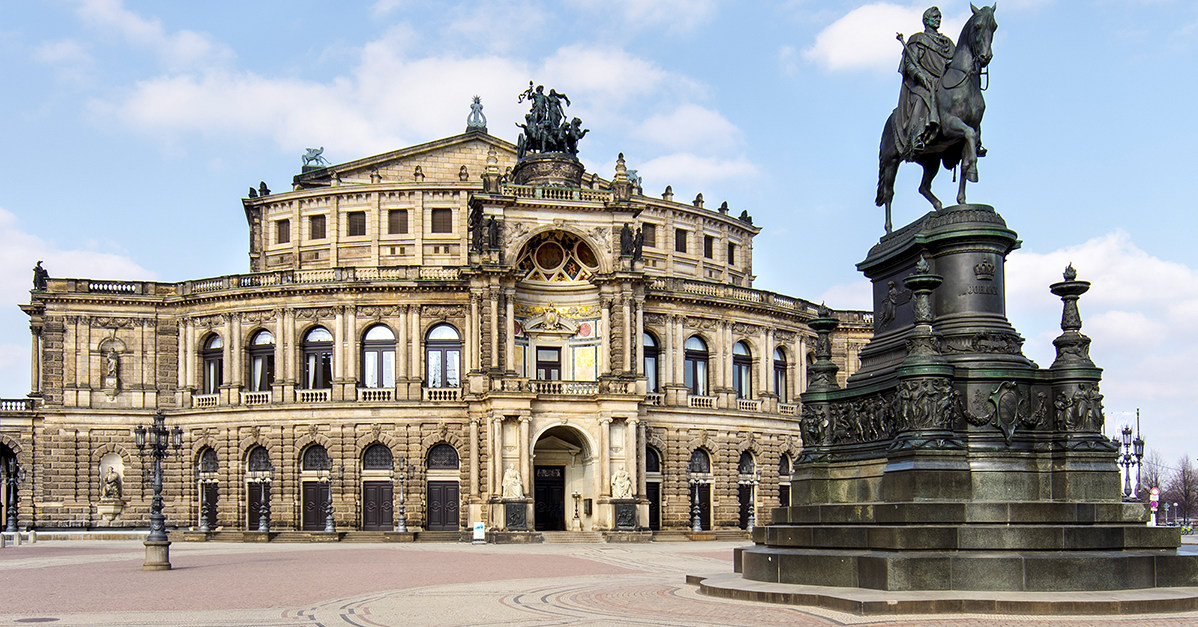 Ich in an semperoper was die ziehe Dresden Sehenswürdigkeiten
