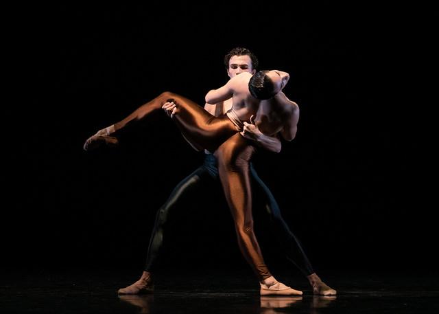 »Kleines Requiem«/»We will dance« © Semperoper Ballett/Ian Whalen