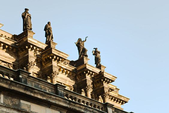 Detail at the Semperoper opera house © Semperoper Dresden/Birgit Nockenberg