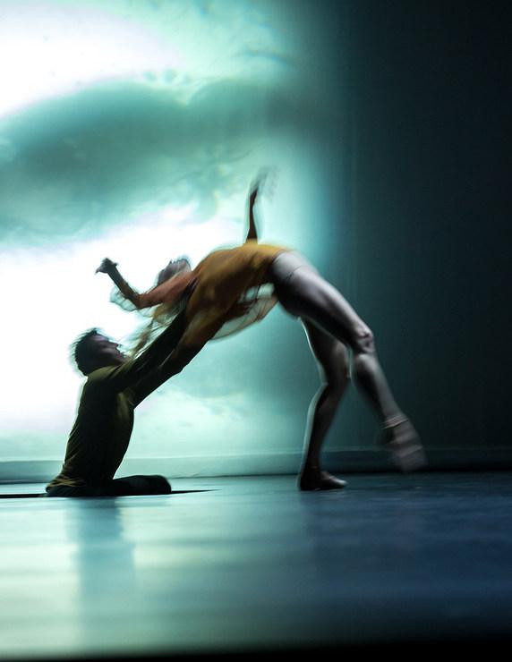 Aidan Gibson und Joseph Hernandez in »Quintett« © Semperoper Dresden/Ian Whalen