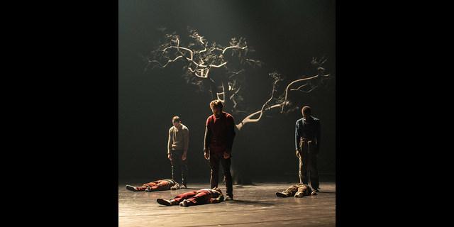»Corpse de Ballet« © Ian Whalen
