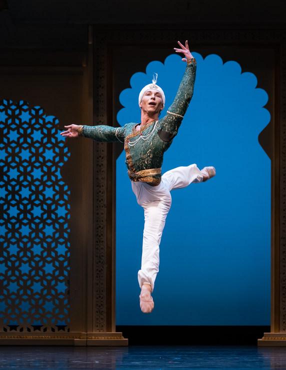 »Die Tempeltänzerin«/»We will dance« © Semperoper Ballett/Ian Whalen