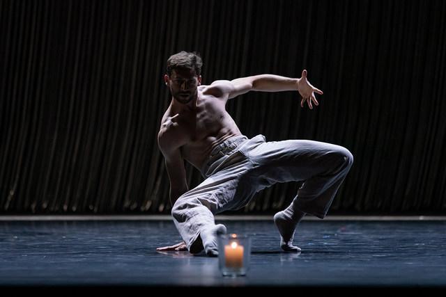 »Gods and Dogs«/»We will dance« © Semperoper Ballett/Ian Whalen