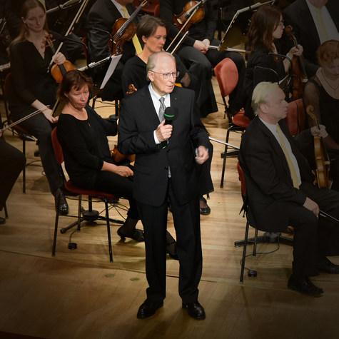 Professor Dipl.-Ing. Jürgen Hubbert beim Preisträgerkonzert 2015