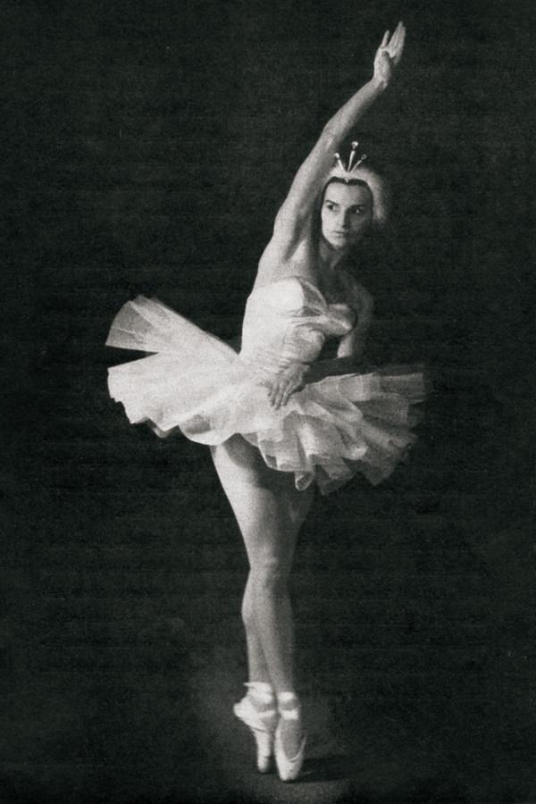 Edith Löffler als Odette in der Choreografie von Tom Schilling, 1959