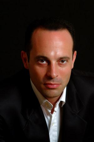 Mark Milhofer