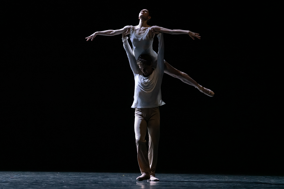 Sofiane Sylve und Carlo Di Lanno in »On the Nature of Daylight« © Semperoper Dresden/Ian Whalen