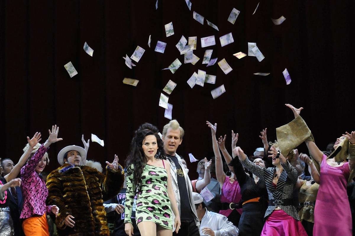 02 La traviata c Matthias Creutziger