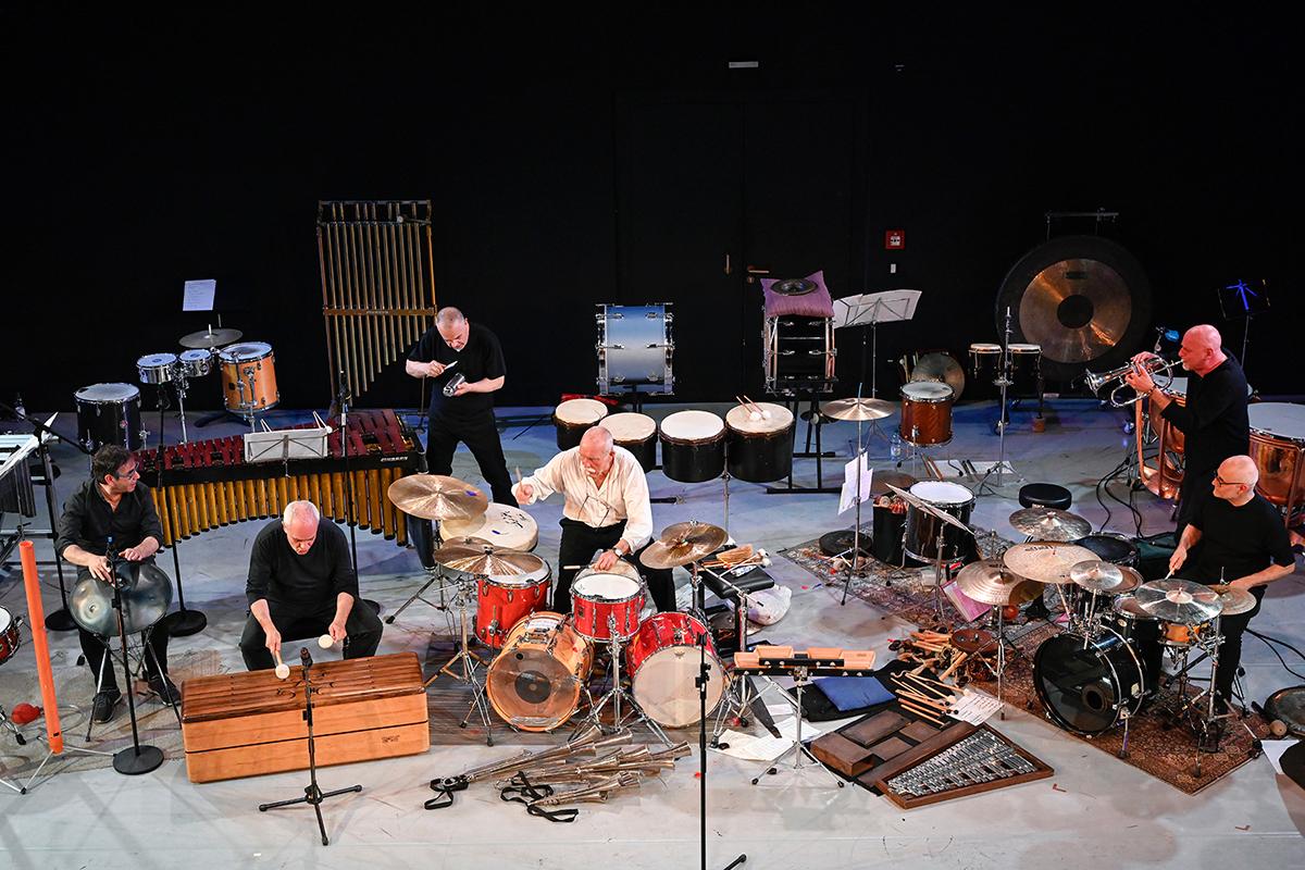 Fenster aus Jazz 2019 05 31 c Matthias Creutziger 0066 Percussion Staff